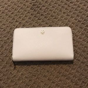 Tory Burch New Ivory Wallet - NWOT